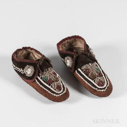 Pair of Northeast Beaded Cloth and Leather Moccasins