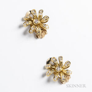 14kt Gold and Diamond Daisy Earclips
