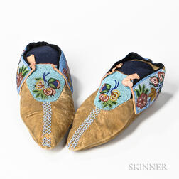 Chippewa Floral Beaded Hide Moccasins