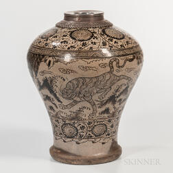 "Cizhou-painted Stoneware ""Tiger and Deer"" Meiping"