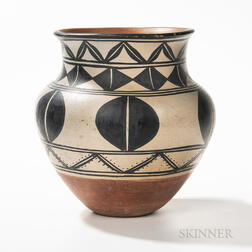 Large Santo Domingo Pottery Olla